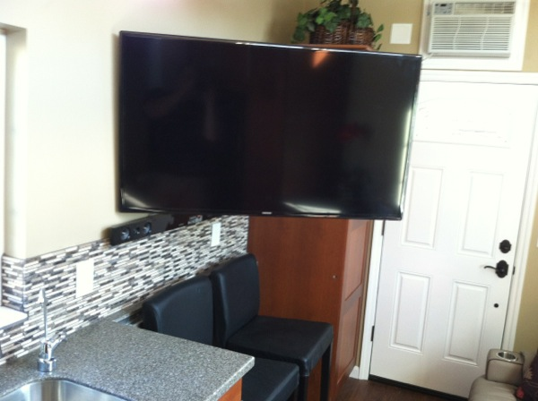 Adjustable TV