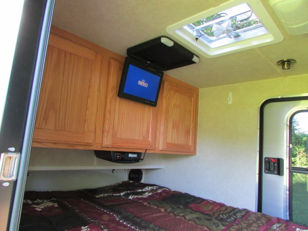 diy-tiny-camping-trailer-0010