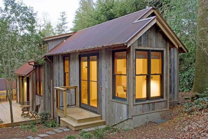 714 sq ft cabin built with reclaimed barn wood for Ross north home designs