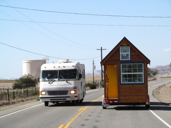 ella tumbleweed tiny house 14 600x450   Ella Shows You Her Tumbleweed Tiny House: Pictures and Video Tour