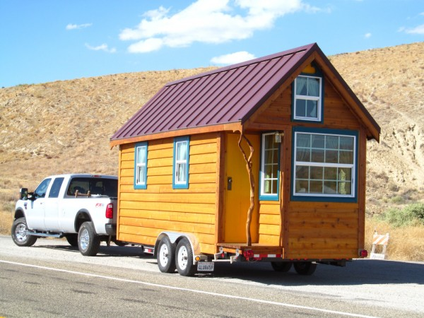 ella tumbleweed tiny house 15 600x450   Ella Shows You Her Tumbleweed Tiny House: Pictures and Video Tour