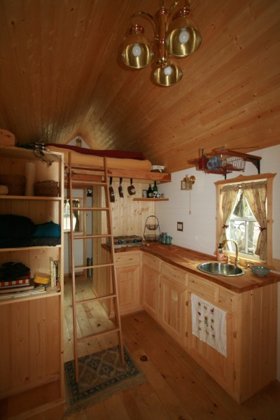 ella tumbleweed tiny house 3 400x600   Ella Shows You Her Tumbleweed Tiny House: Pictures and Video Tour