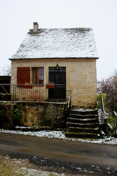 Family uses 17th century tiny stone cottage in france for for Tiny stone house