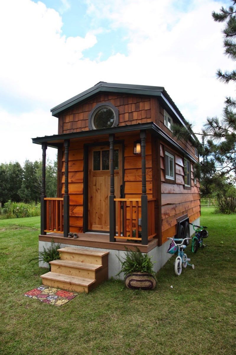 Family Of 4 Living In 207 Sq. Ft. Tiny House
