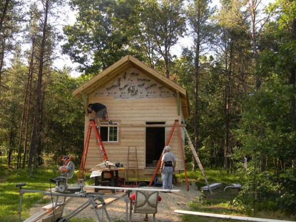 father-son-392-sq-ft-tiny-cabin-for-sale-0020