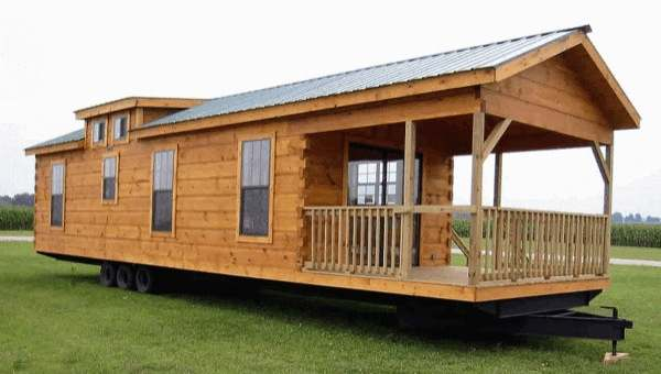 gastineau oak log cabins to go on wheels 001   400 Sq. Ft. Oak Log Cabin on Wheels