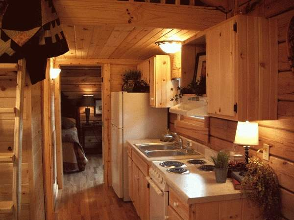 gastineau oak log cabins to go on wheels 0011   400 Sq. Ft. Oak Log Cabin on Wheels