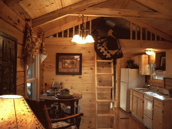 gastineau oak log cabins to go on wheels 002   400 Sq. Ft. Oak Log Cabin on Wheels