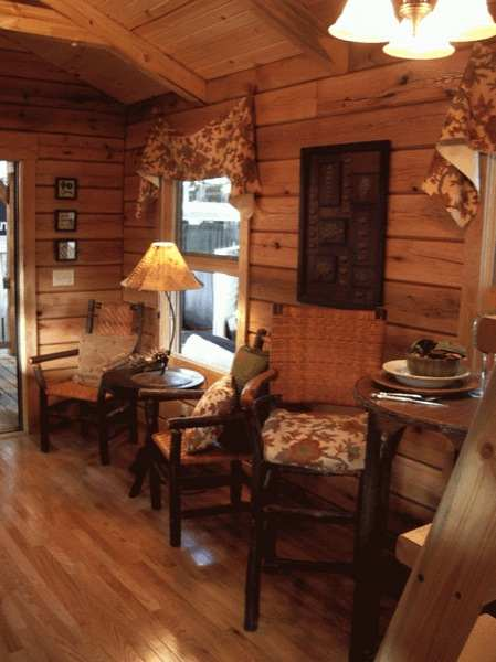 gastineau oak log cabins to go on wheels 005   400 Sq. Ft. Oak Log Cabin on Wheels