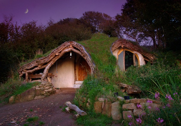 hobbit house by simon dale small natural sustainable homes 1   Small, Natural, Straw Bale Home that You Can Build for $4,627