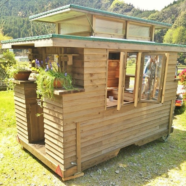 Man In Japan Builds Micro Diy Tiny House On Wheels