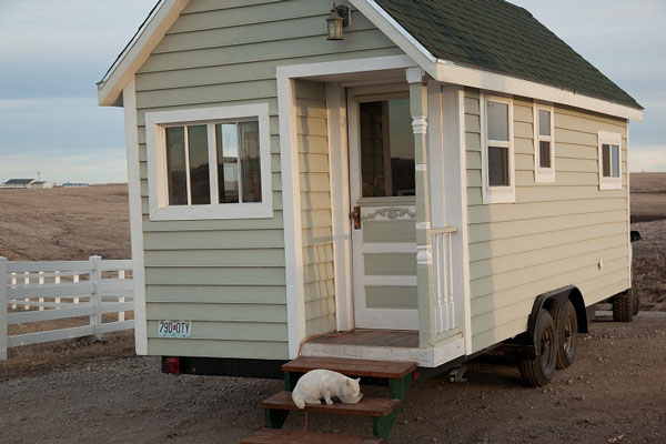 Johnny's Luxurious Tiny House on Wheels