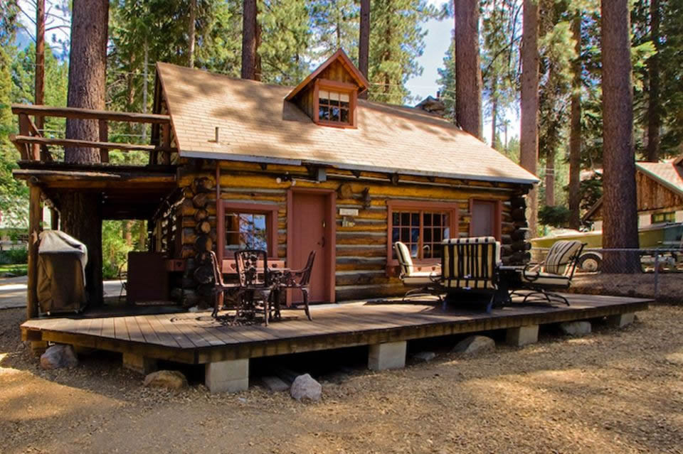 Tiny Log Cabin Near Lake Tahoe