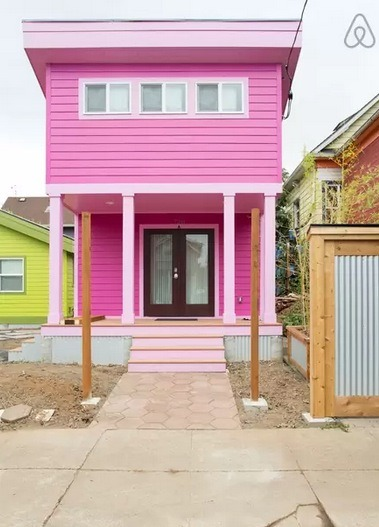 200 Sq Ft Pink Tiny House In Portland Or