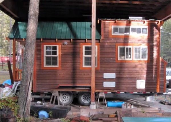meg and joes tiny house tour   Meg and Joes Tiny House Tour.. Would you live here?