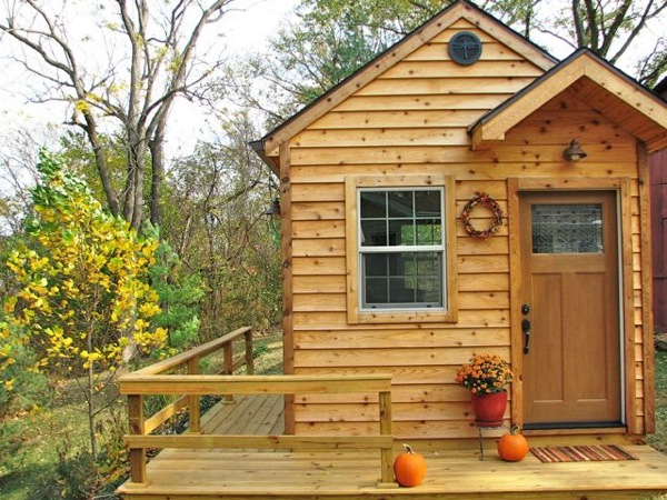 Tiny House on or off Wheels as a Writing Cabin