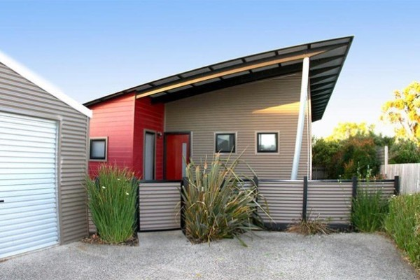 Modern small house for sale in australia for Simple modern tiny house