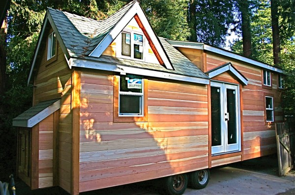 molecule tiny house 01 600x398   Molecule Builds Another Spacious Tiny Home on a Trailer