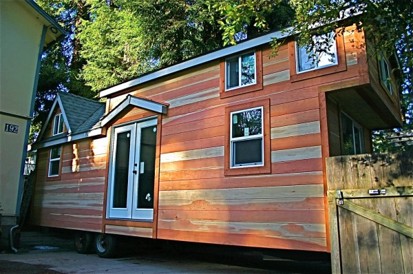 molecule tiny house 02 600x398   Molecule Builds Another Spacious Tiny Home on a Trailer