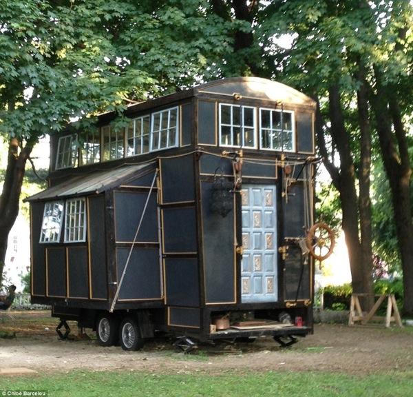 couple build 10k tiny home with movie set scraps