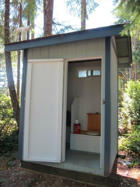 off-grid-tiny-cabin-for-sale-004