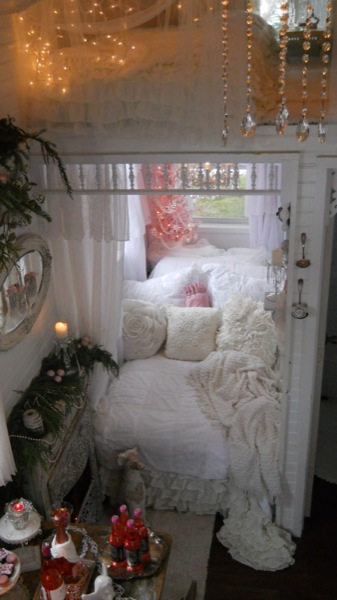 pink christmas tiny house 6   Im Dreaming of a Pink Christmas in a Tiny House