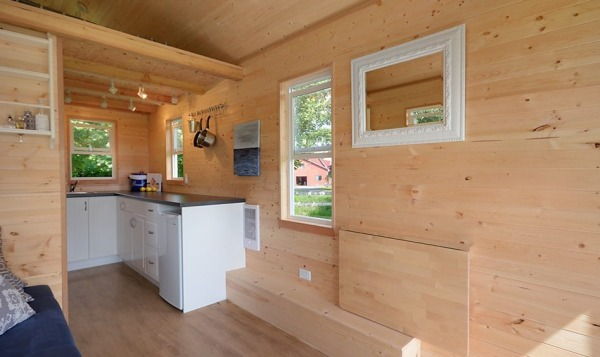 poco-edition-tiny-house-on-wheels-by-tiny-living-homes-005