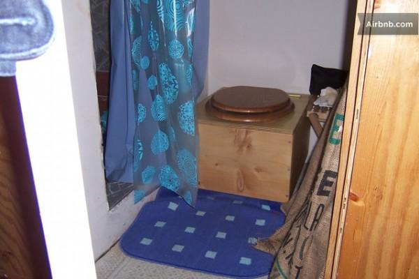 rustic-micro-cabin-rental-016