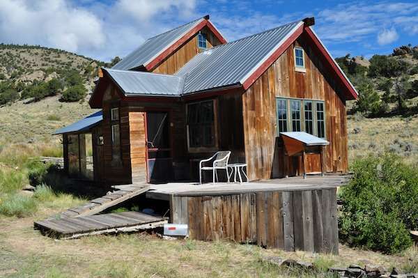 small rustic cabin off the grid in san luis valley in south colorado rustic cabin   Small Rustic Cabin on 40 Acres in Colorado with Mountain Views for Sale