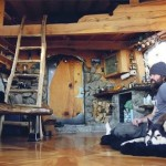 snowboarders-unbelievable-tiny-house-001