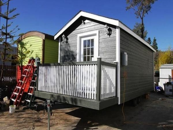 so cal 200 sq ft tiny cottage for sale 001   200 Sq. Ft. Tiny Cottage on Wheels For Sale