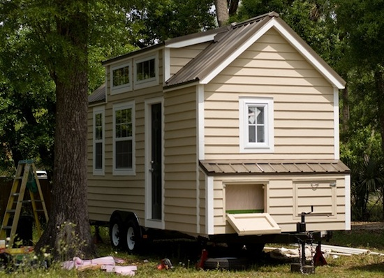 tiny house dan louche   Son Builds Tiny House for his Mother