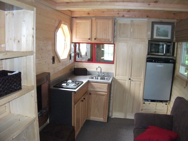 tiny house log cabin on a trailer 03   Tiny Log Cabin on a Trailer