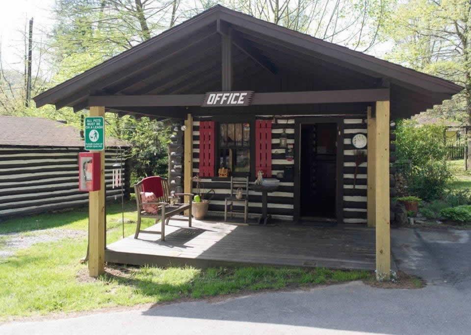 Tiny Log Cabin In Asheville