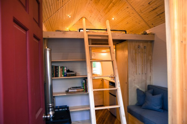 tiny midwest tiny house 03 600x400   Custom Designed & Built Midwest Tiny House
