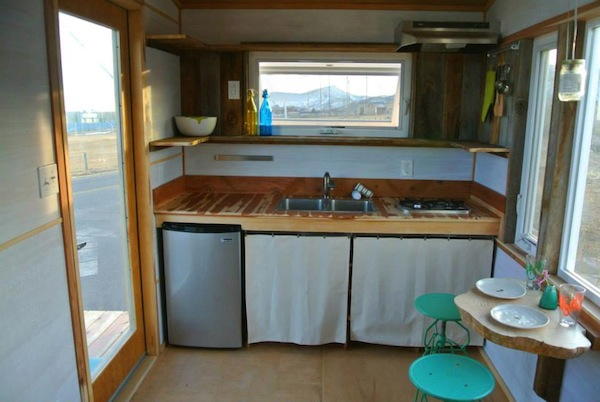 Top 10 Tiny House Kitchens 08