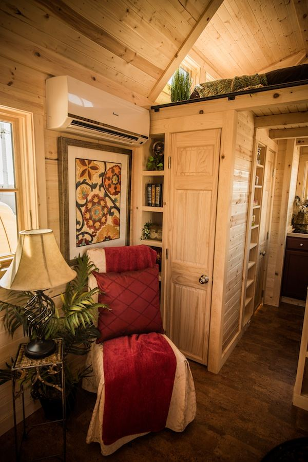 tumbleweed-elm-18-overlook-117-sq-ft-tiny-house-on-wheels-006