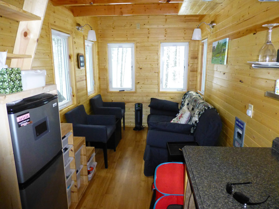 Cabin on wheels as a family weekender - The mobile little house the shortest way to freedom ...