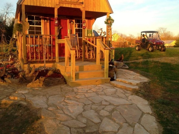 womans-300-sq-ft-tiny-cabin-in-southern-indiana-0011