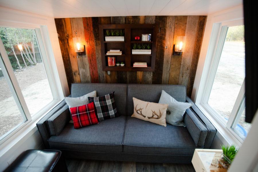 The Grand: Jen's Warm & Rustic Modern Tiny Living THOW 4