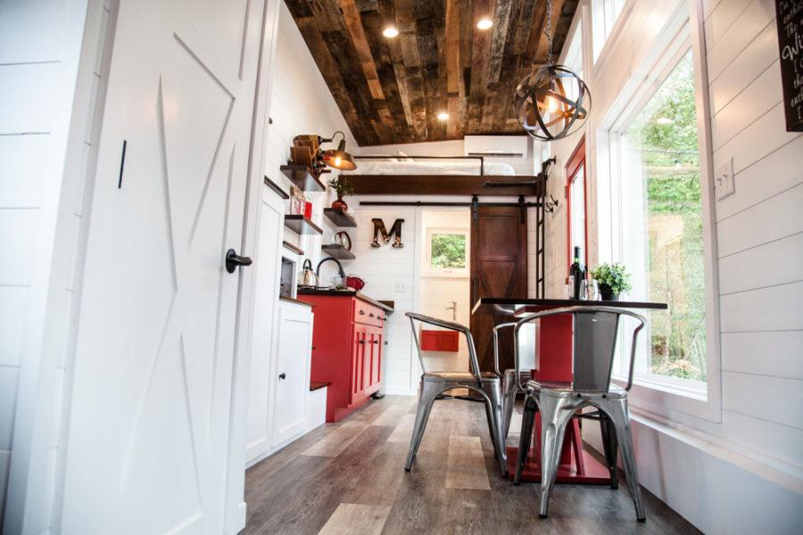The Grand: Jen's Warm & Rustic Modern Tiny Living THOW