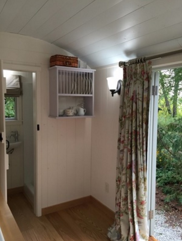 18 Shepherd Hut Tiny House For Sale