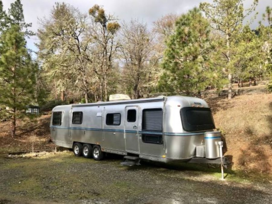 1987 Avion 34ft Aluminum Trailer Renovation via Portland-Craigslist 001