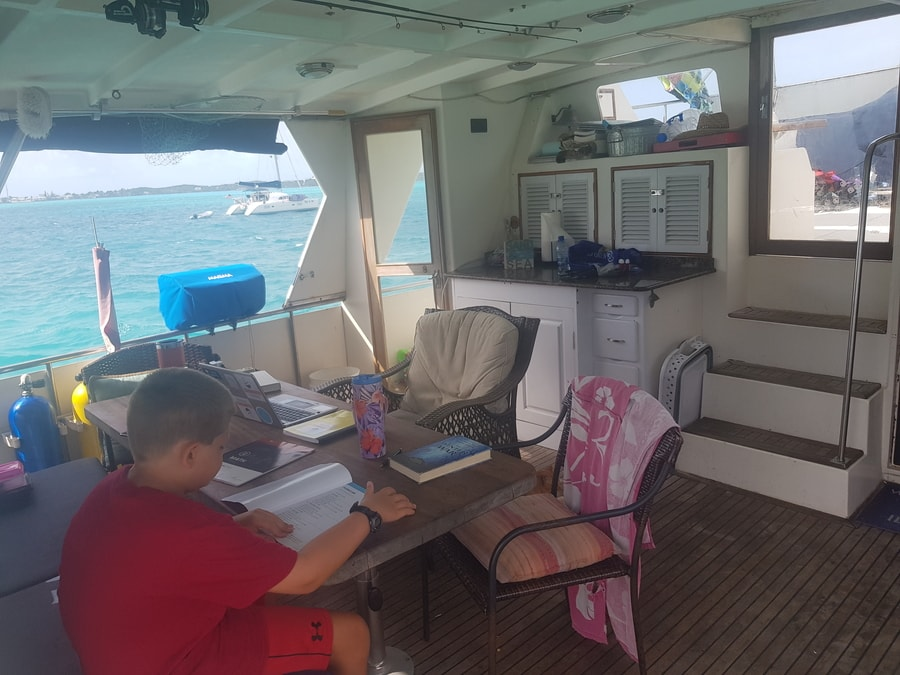 From 3,000 Sq. Ft. in Texas Suburbia to Trawler Boat Life: Family of 5 1