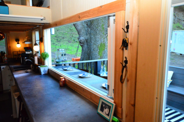 224-sq-ft-tiny-house-on-wheels-08