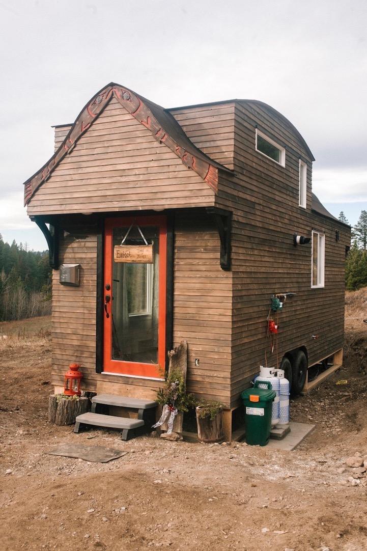 280 Sq Ft Esk Et Tiny House On Wheels With Genius Loft