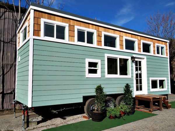 28ft Roomy Retreat THOW by Sierra Tiny Houses 001
