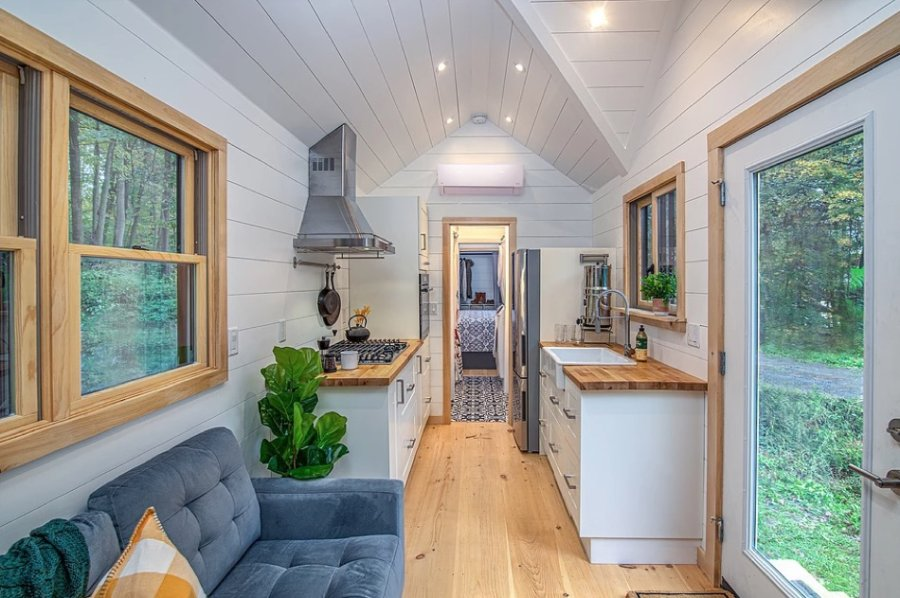 30-ft Tiny Farm House with First Floor Bedroom The Burmenbov by Willowbee Tiny Homes 002
