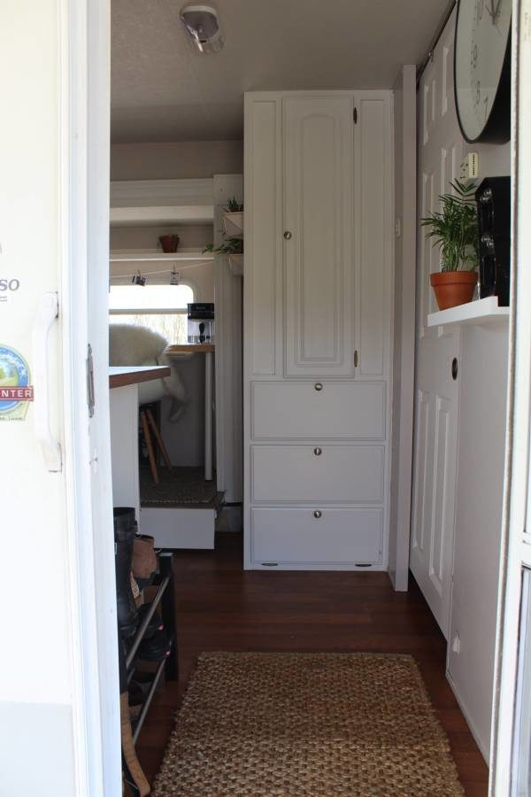31-Foot Travel Trailer Tiny House for $12,500 004a
