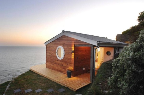 320-sq-ft-tiny-beach-cottage-vacation-in-cornwall-01